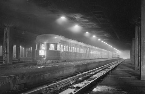 A B&O train about to depart Chicago Union Station via the Alton Road to Saint Louis in January 1943.