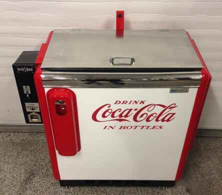 Coca-Cola Ideal 55 Slider antique soda machine