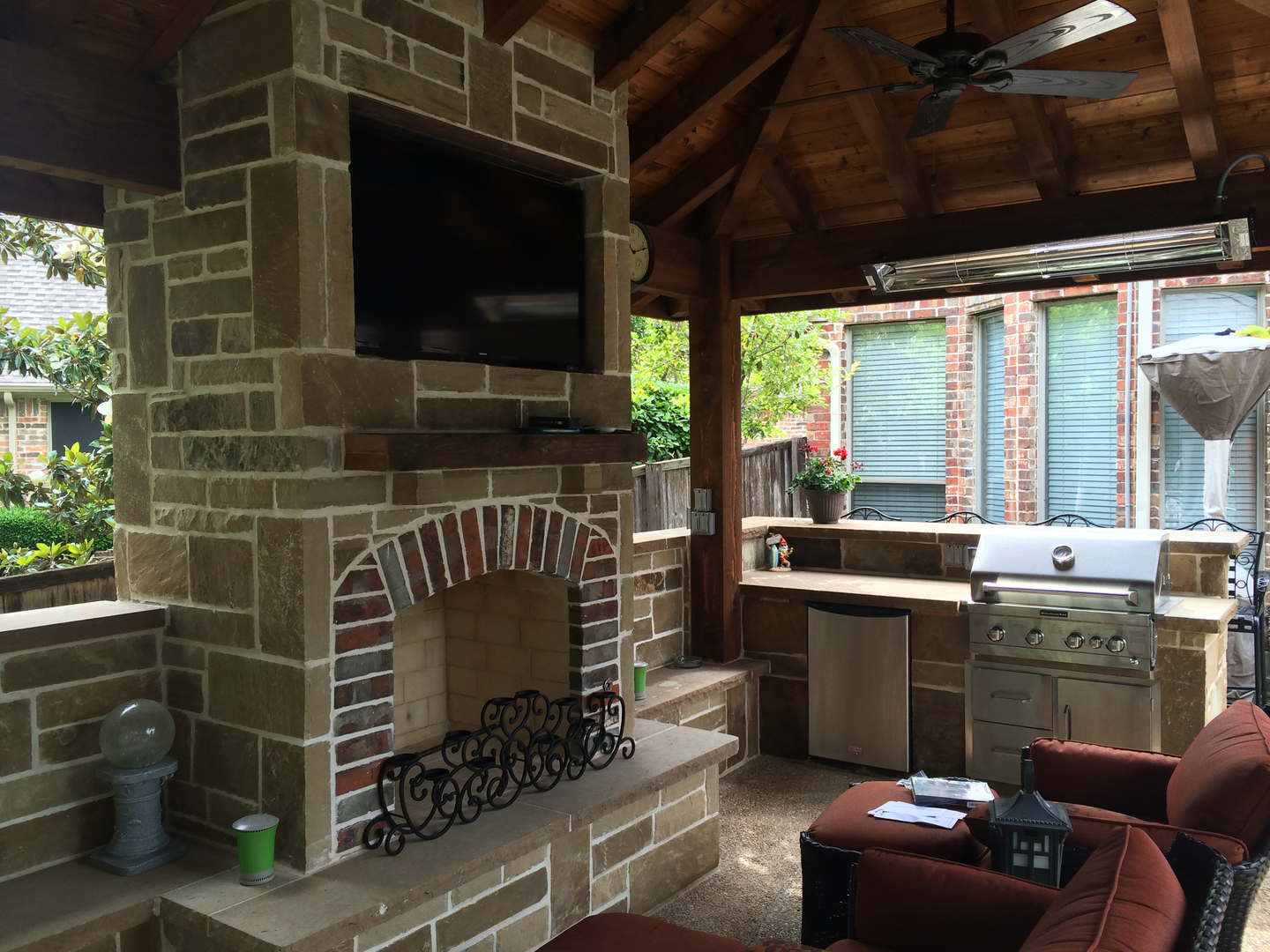 outdoor living spaces outdoor kitchens and fire places texas
