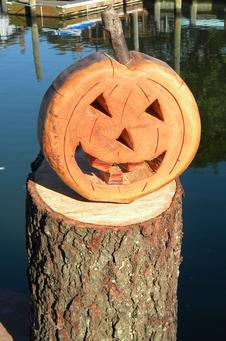 How to make a DIY Firewood Halloween Pumpkin decoration. www.DIYeasycrafts.com