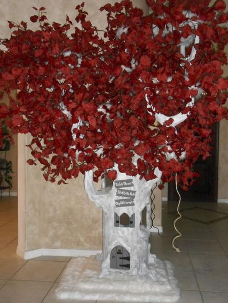 Game of Thrones Heart Cat Tree