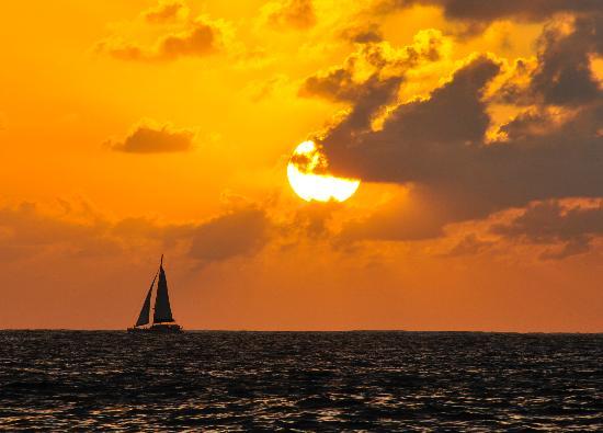 Waikiki Sunset Sail