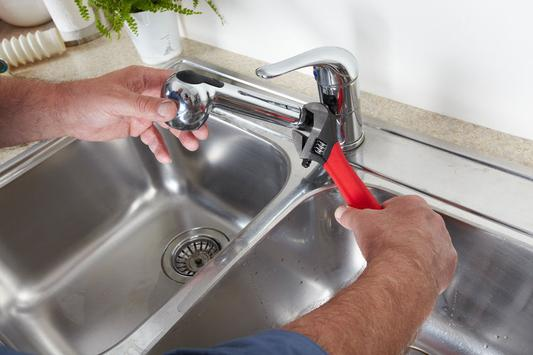 Best Plumbing Fixtures Repair Bathroom Faucet Kitchen Sink Repair Services 7/24 Available in Lincoln NE | Lincoln Handyman Services