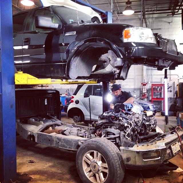 Chicago auto center strictly by hand ii automotive repair chicago auto center strictly by hand ii automotive repair services auto repair hand car wash solutioingenieria Images