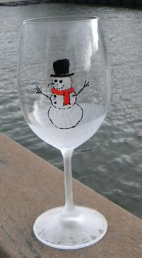 how to make etched and painted christmas wine glasses wwwdiyeasycraftscom