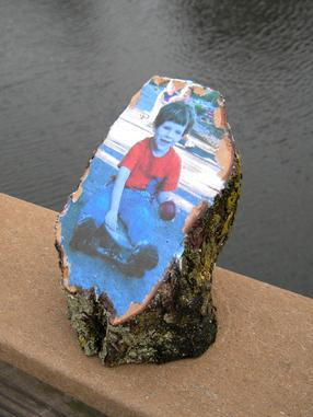 Easy DIY Mod Podge Wood Photo Transfer. www.DIYeasycrafts.com