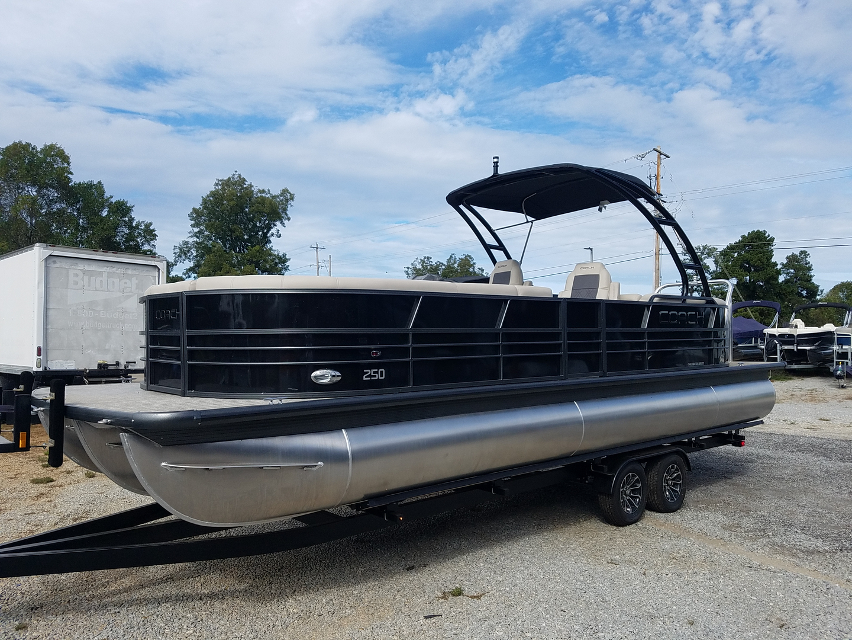 Boat Dealer - Carefree Boat Sales