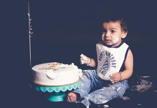 CAKE-SMASH-STUDIO-INDOOR-PHOTOSHOOT-DELHI-NCR