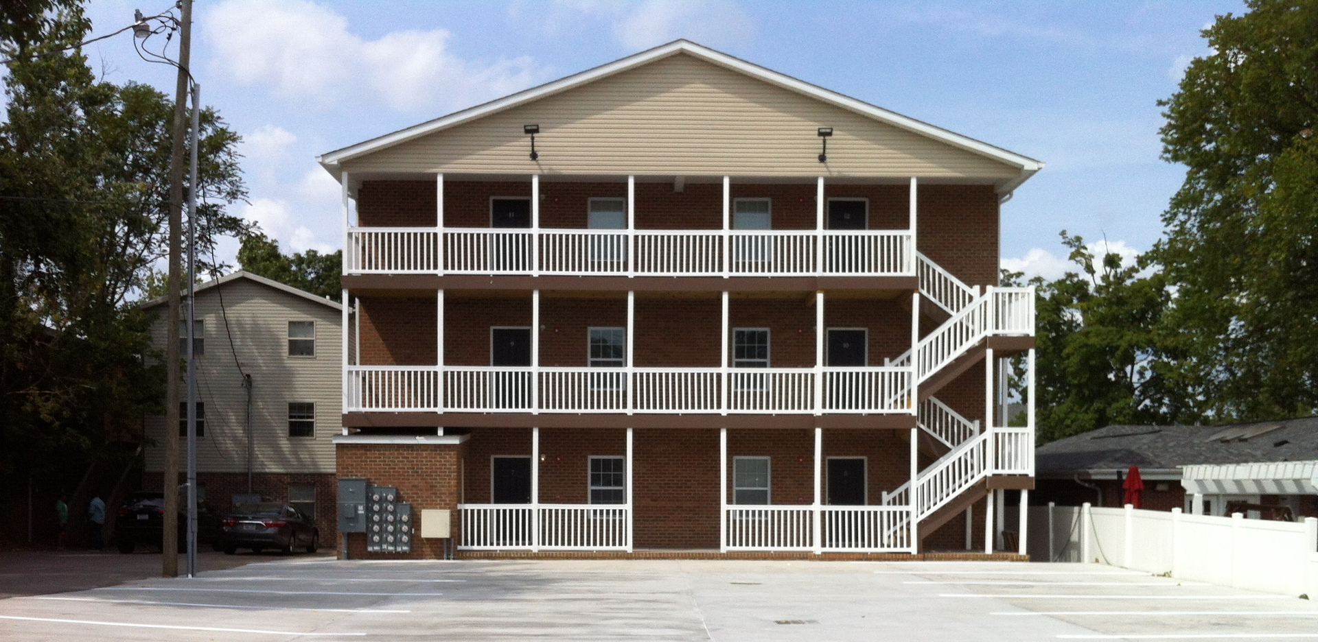 Apartment Amenities  Building  3   1619 6th Ave  Huntington  WV 25703 1 100  sqft   2 bedrooms with 2 1 2 bathrooms   W D included   off street parking. Campus Edge Apartment Rentals