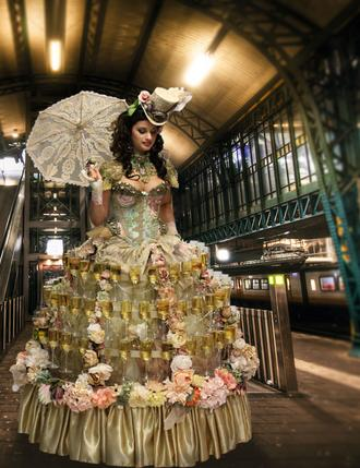 champagne, cupcakes, champagne table, strolling champagne, living tables, avant garde, wine, champagne dress
