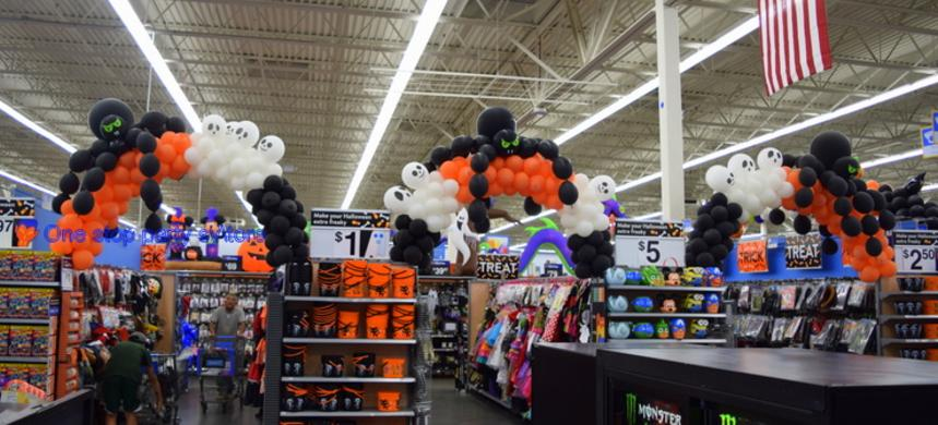 Spider Balloon arch