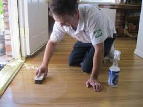 VINYL FLOOR CLEANING SERVICES