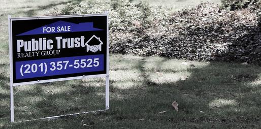 How is the asking price for a home determined?