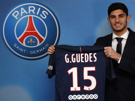 Goncalo Guedes joins PSG
