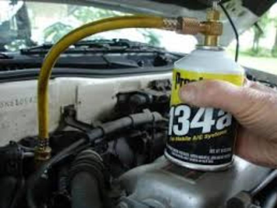 Refrigerant Replacement Services and Cost in Omaha NE| FX Mobile Mechanic Services