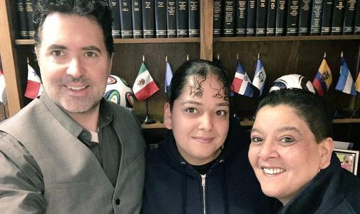 Patrick Merrick y cliente Mary Lou Lopez