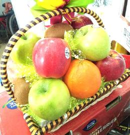 Giỏ hoa quả nhập khẩu đẹp