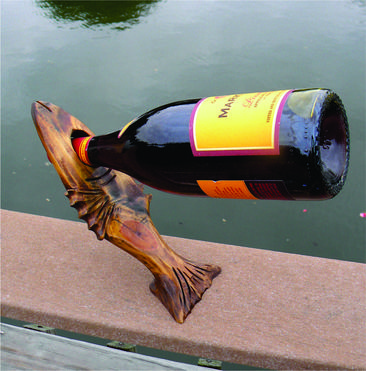DIY Nautical Decor Fish shaped wine bottle stand. www.DIYeasycrafts.com