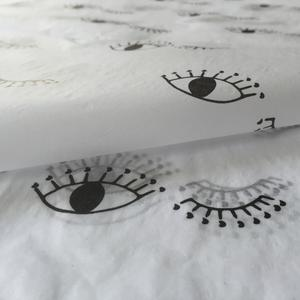 eyelash wrapping tissue paper