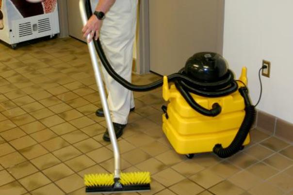 Best Retail Store Cleaning Services and Cost in Omaha NE | Price Cleaning Services Omaha