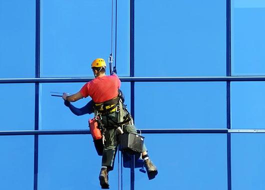 Professional Building Window Cleaning Service in Las Vegas NV MGM Household Services