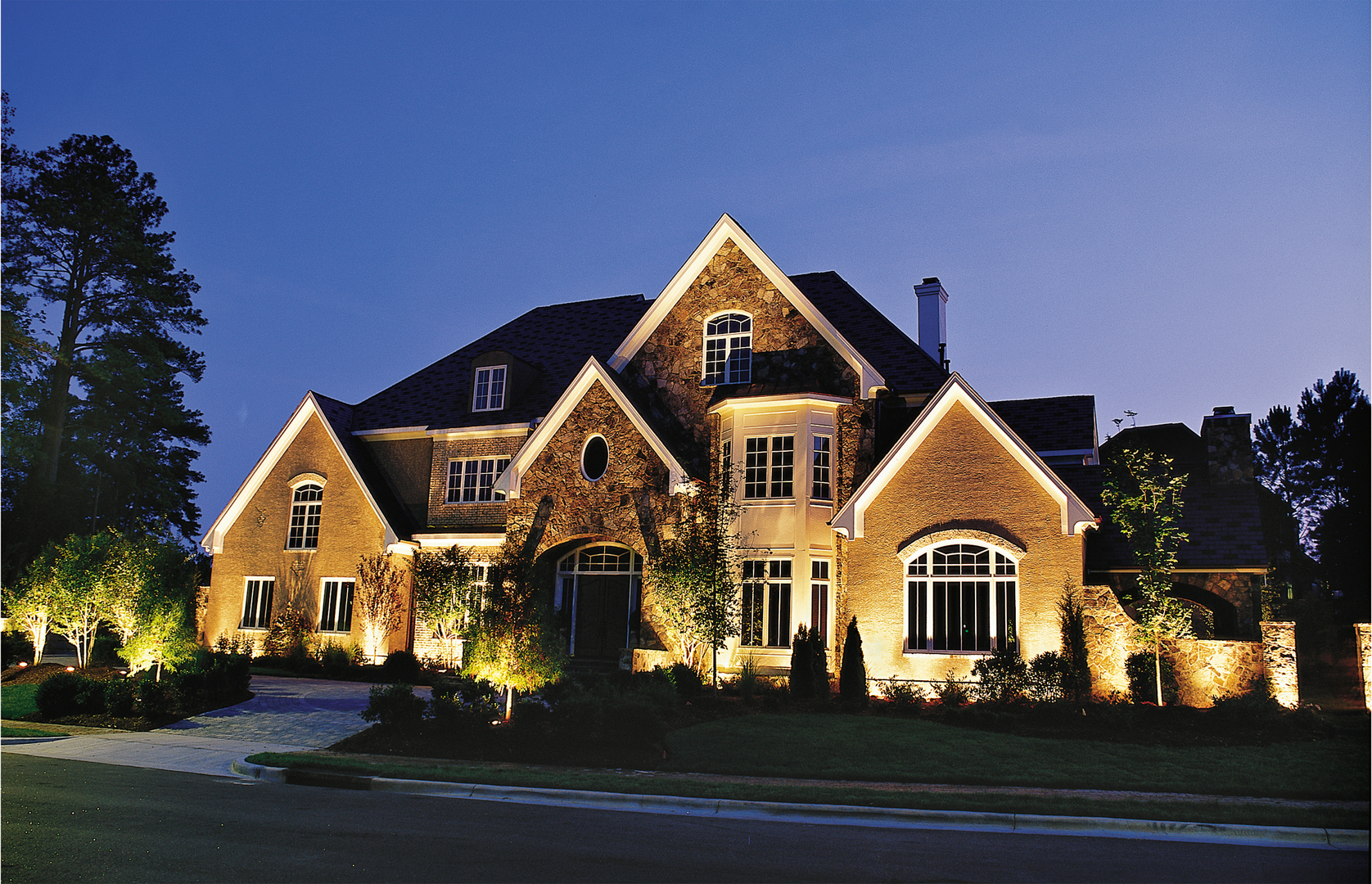 Professional outdoor lighting installation repair houston we provide professional outdoor lighting services and installation mozeypictures Image collections