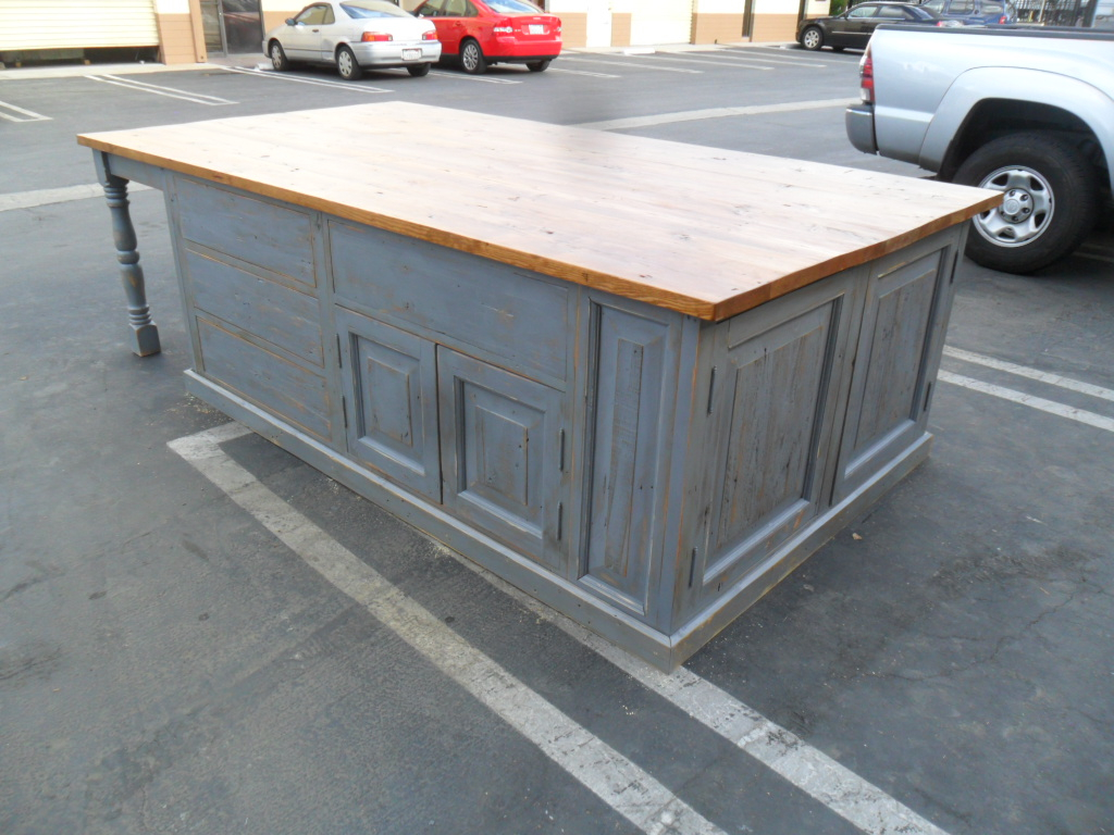 Small kitchen island. Reclaimed pine wood. - Reclaimed,reclaimed Wood,reclaimed Wood Table, Custom,custom Made