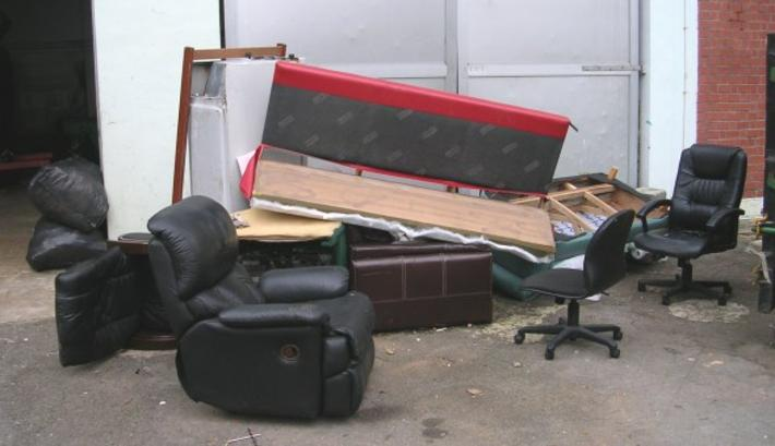 Old Broken Furniture Disposal Service In Omaha Ne Omaha Junk Disposal