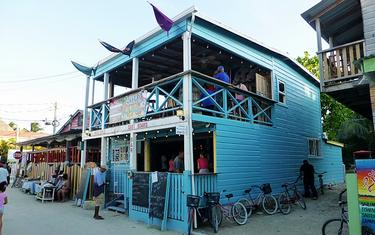 Booming Bar and Restaurant in Caye Caulker