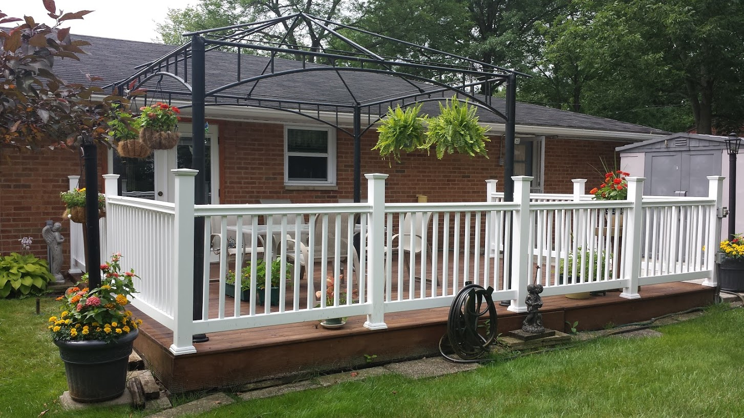 Willoughby fence vinyl fence vinyl privacy fence vinyl fence all of our vinyl fence options come 4 to 8 feet high baanklon Images