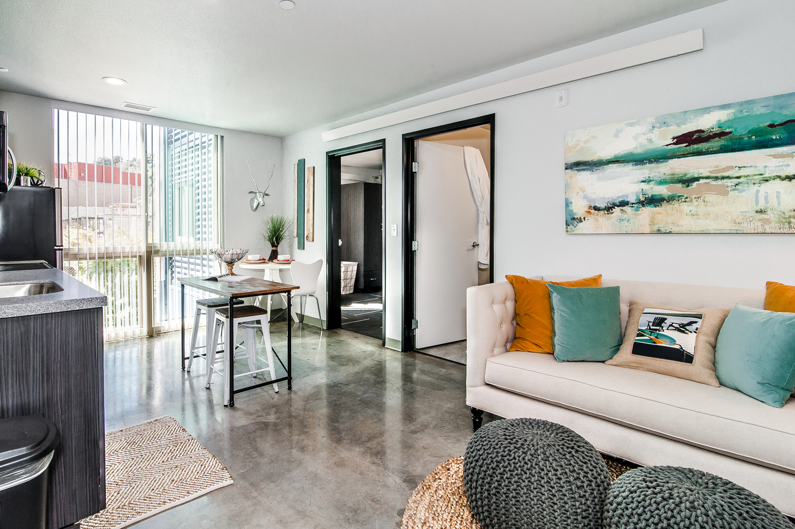 Downtown Portland One Bedroom Apartments. Furnished