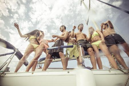 "<img src=""BoatPartyNashville.jpg"" alt=""Group having fun on a boat party in Nashville"">"