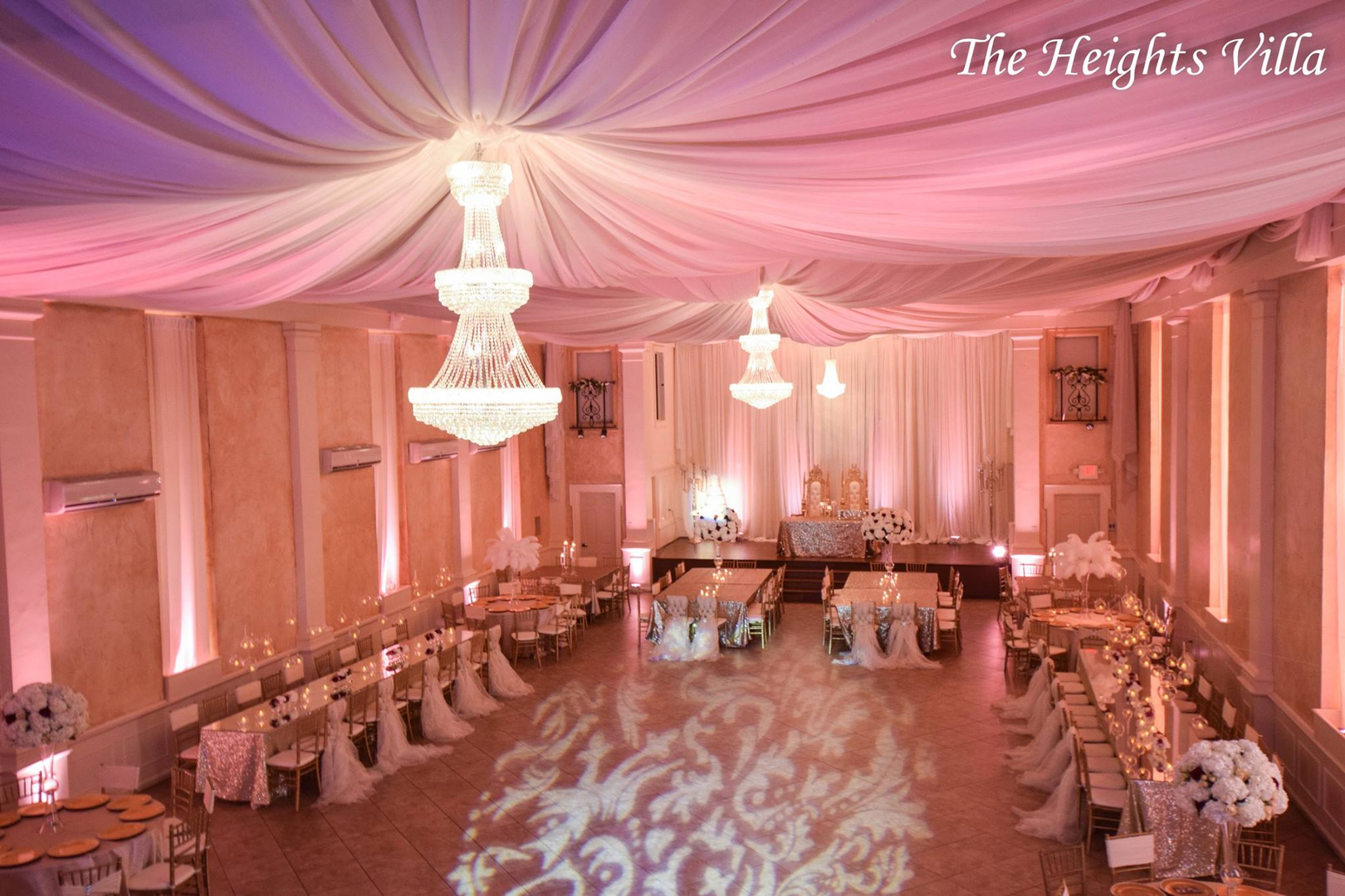 Small elegant hall in hoiston tx - Link To See Reviews With Wedding Wire