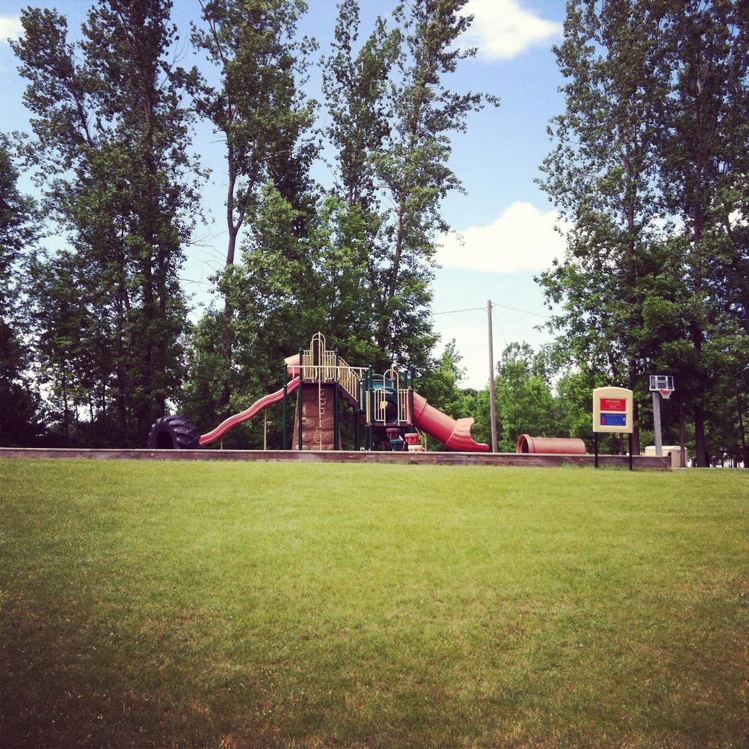 Home| River Ridge Campground Inc| Breckenridge, MI