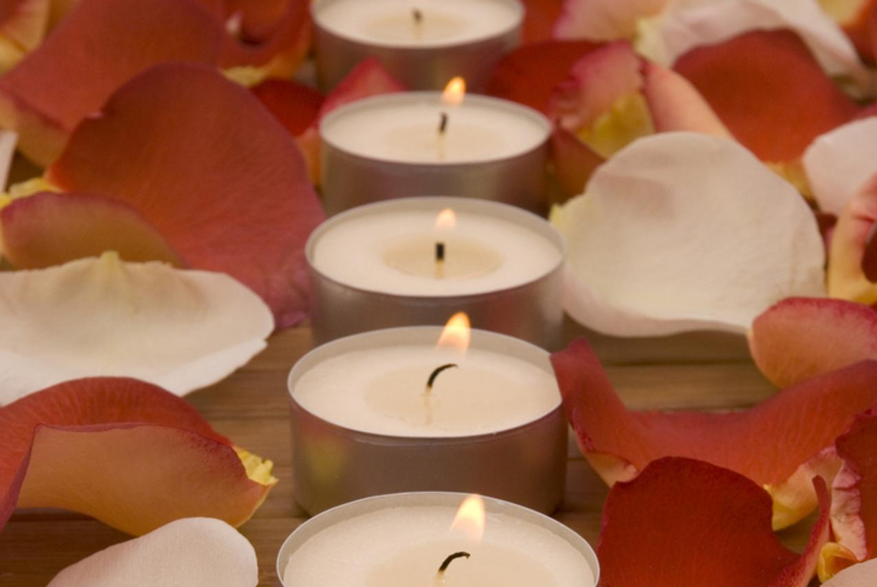 De-stress Spa Package: 90 minute Spa Package Relax- Restore-Unwind 1 hour  massage 15 minutes each infrared Sauna/Chi Machine $110