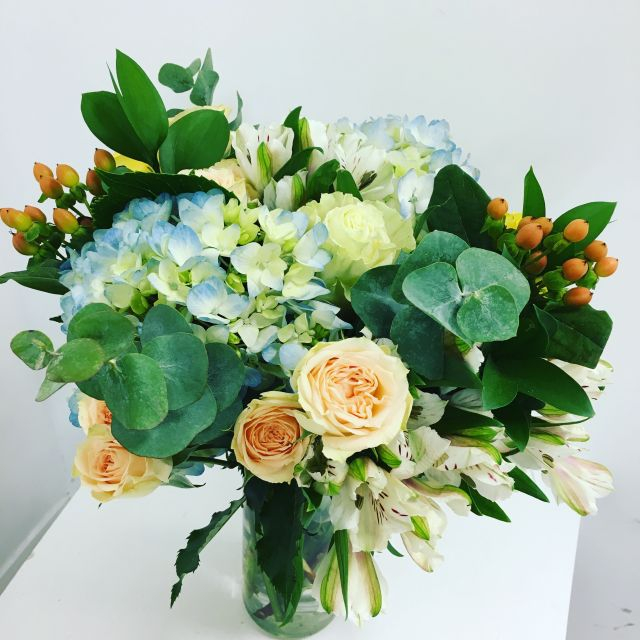 Flower Bouquets - Hibiscus Flowershop - Brooklyn, Ny