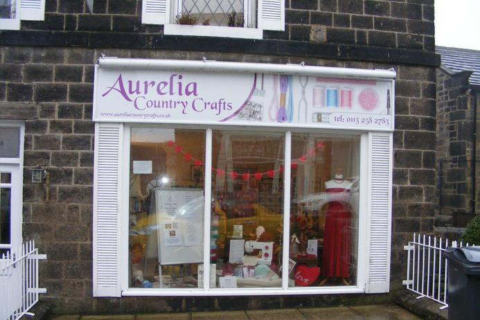 Aurelia country crafts for Country craft house