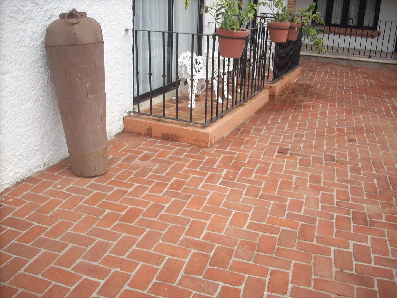 Construcciones valencey 2022 c a mayo 2016 for Pisos para cocheras y patios