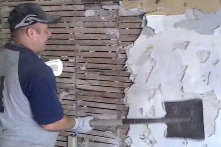 Leading Lathe Wall Removal in Lincoln NE | LNK Junk Removal