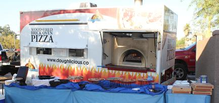 Doughlicious Wood Fired Pizzatruck
