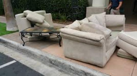 Sofa Pick Up Service Sofa Removal Sofa Hauling Help Service and Cost in Omaha NE – Price Moving Hauling Omaha 402-486-3717