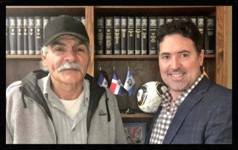 Patrick Merrick y client Jose Santiago
