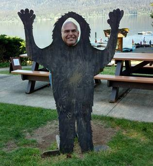 bigfoot, mark, canniff, lake, quinault, lodge, lake, picnic, table, boat