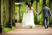 A walk down the wedding aisle at Minnehaha Falls in Minneapolis