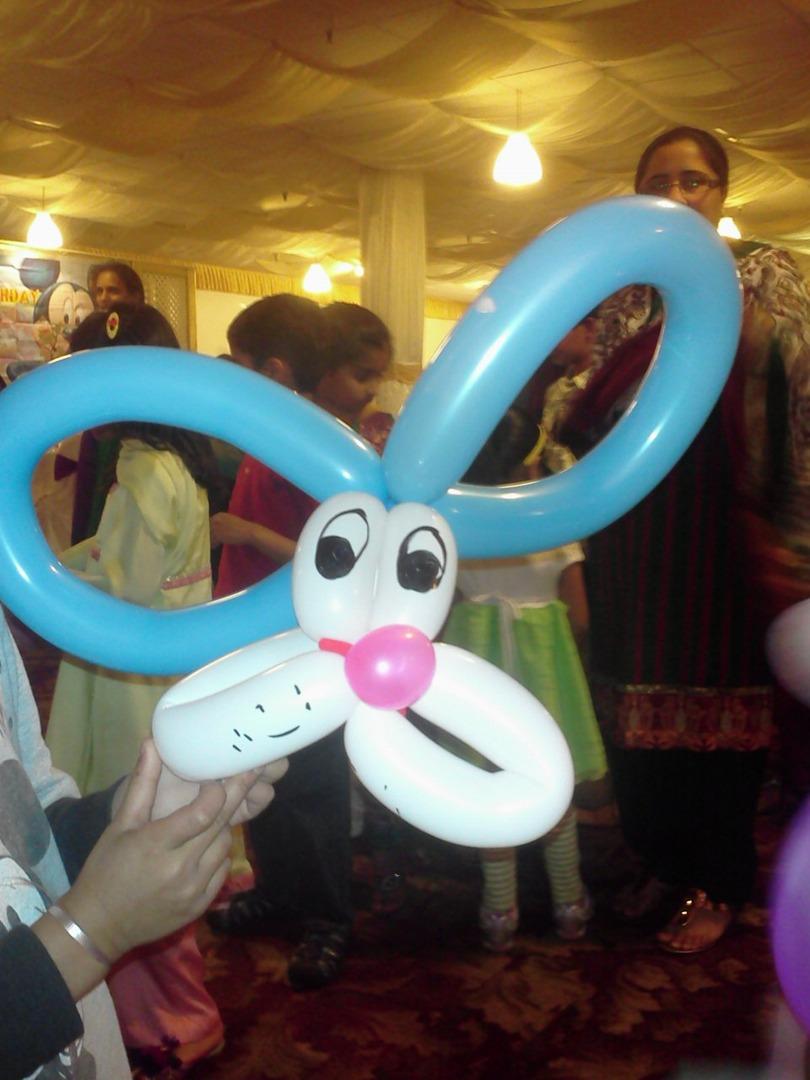 Balloon twisting balloon shaping like animals flowers etc izmirmasajfo