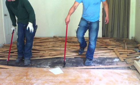 Top Wood Flooring Removal Services| LNK Junk Removal Lincoln
