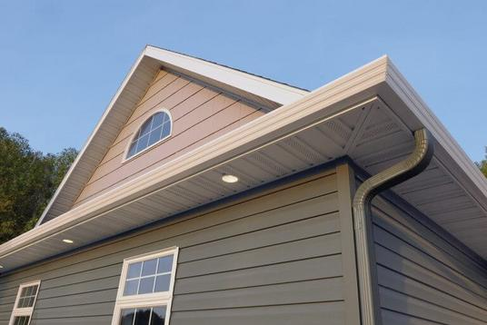 SIDING AND GUTTERS CONTRACTOR SERVICES LINCOLN NEBRASKA.