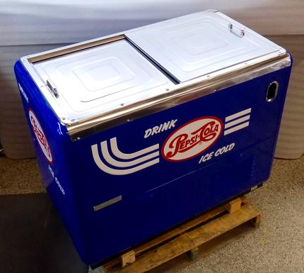 Pepsi-Cola Quikold Chest Cooler antique soda machine