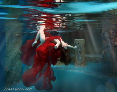 underwater photography miami quinceanera underwater photoshoot sweet 15 quinces bajo el agua