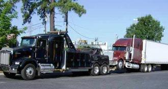 Mobile Diesel Truck Mechanic Semi Truck & Trailer Repair 1